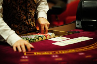 Casino Dealer job benefits