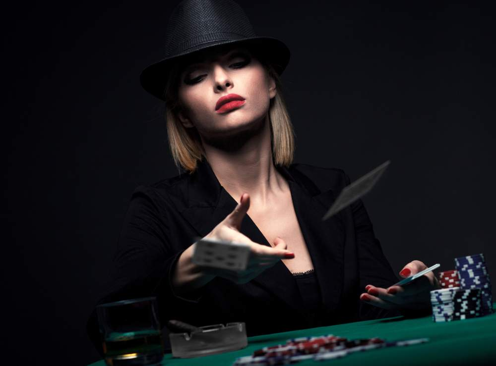 The Art of the Bluff: 9 Ways to Fool a Poker Table