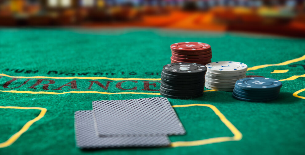 play poker online tips