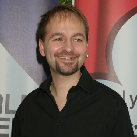 Daniel Negreanu trails Doug Polk by 500k in the poker heads-up challenge